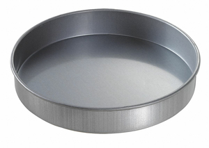 ROUND CAKE PAN PLAIN 9X1-1/2 by Chicago Metallic