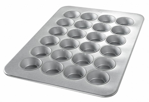 LARGE MUFFIN PAN 24 MOULDS by Chicago Metallic