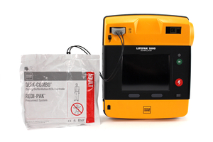 LIFEPAK 1000 ENCORE WITH ECG DISPLAY by Physio-Control